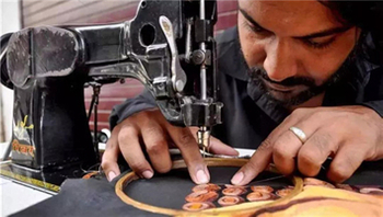 The Only Sewing Machine Artist In The World